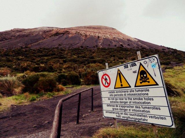 warning sign Vulcano