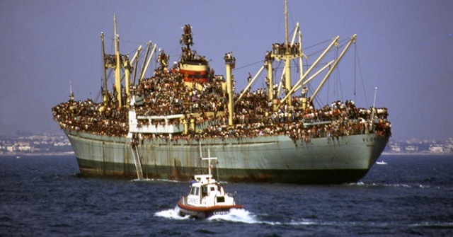 Albania 1991 refugees boat