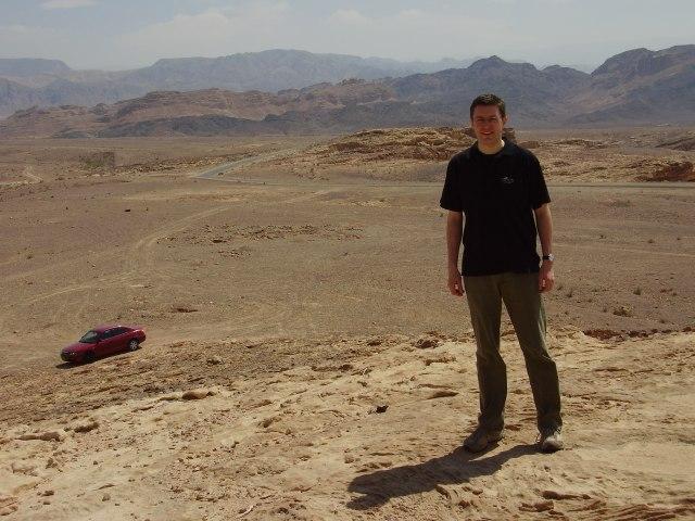 Lieber in der Wüste verfahren als am Schreibtisch versumpft.