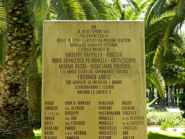 Denkmal Trani Detail