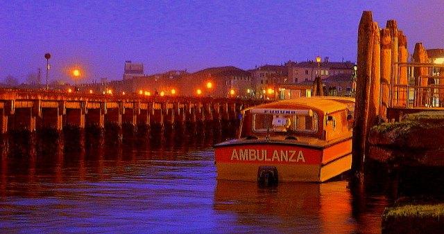 Ambulanza ambulance boat Venice