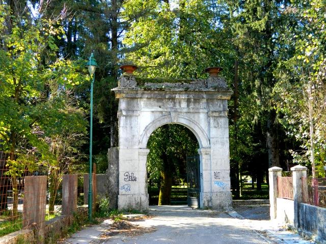 Dvorski Park Cetinje