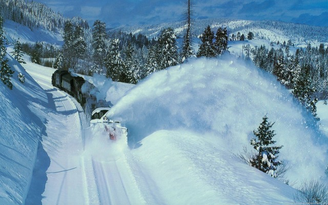 Norway train snow.jpg