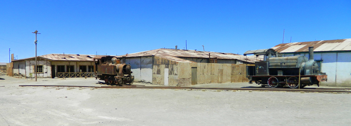 trains in Humberstone.JPG