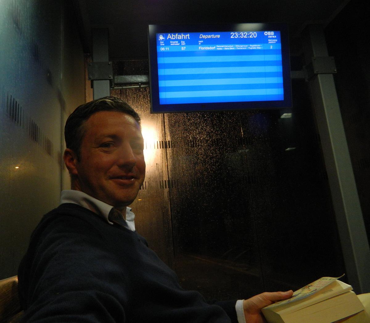Bahnhof Buch.JPG