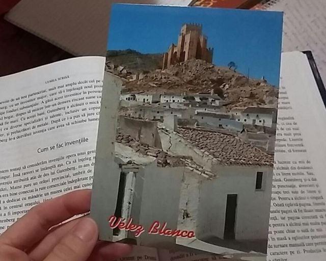 Velez Blanco mit rumänischem Buch.JPG