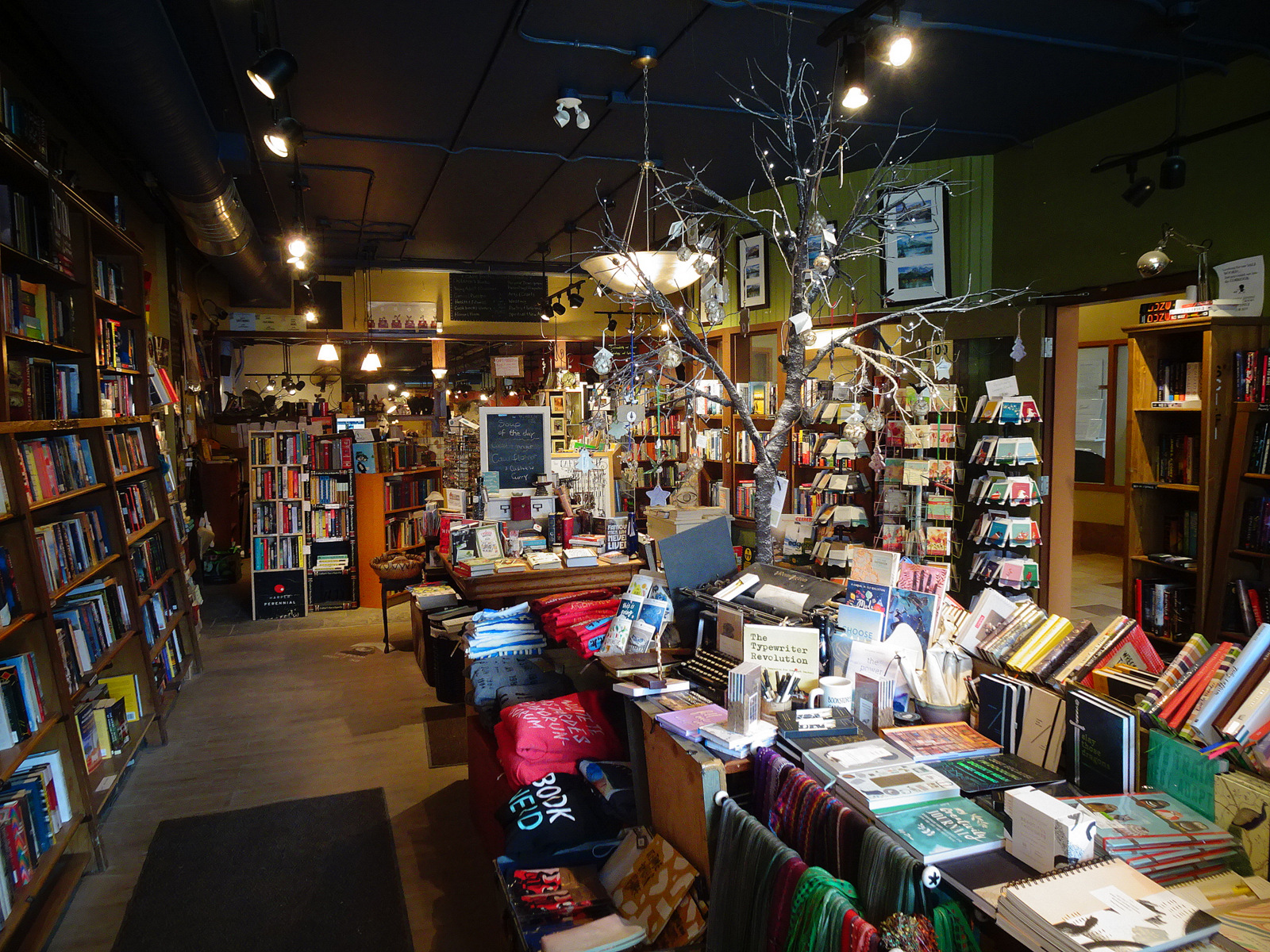 Cafe Books
