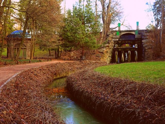 Kanäle und Bauten (3)