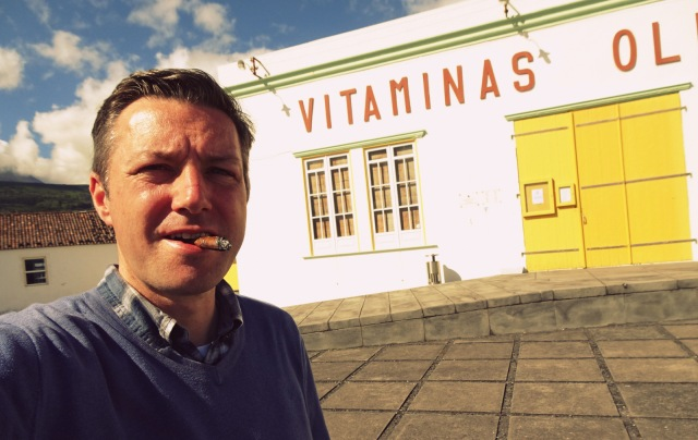 Andreas Moser smoking vitamins (1)