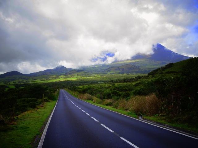road across Pico