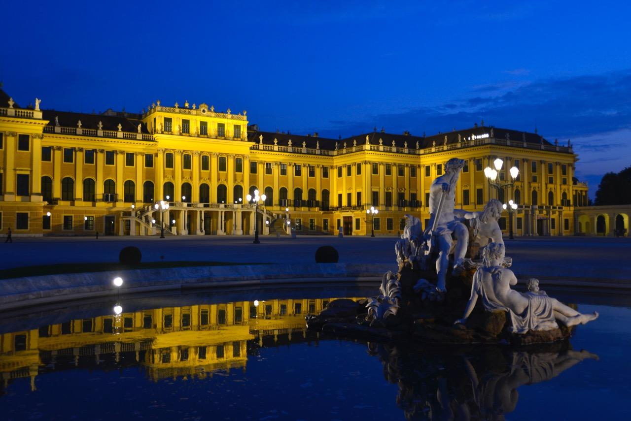 Schönbrunn abends