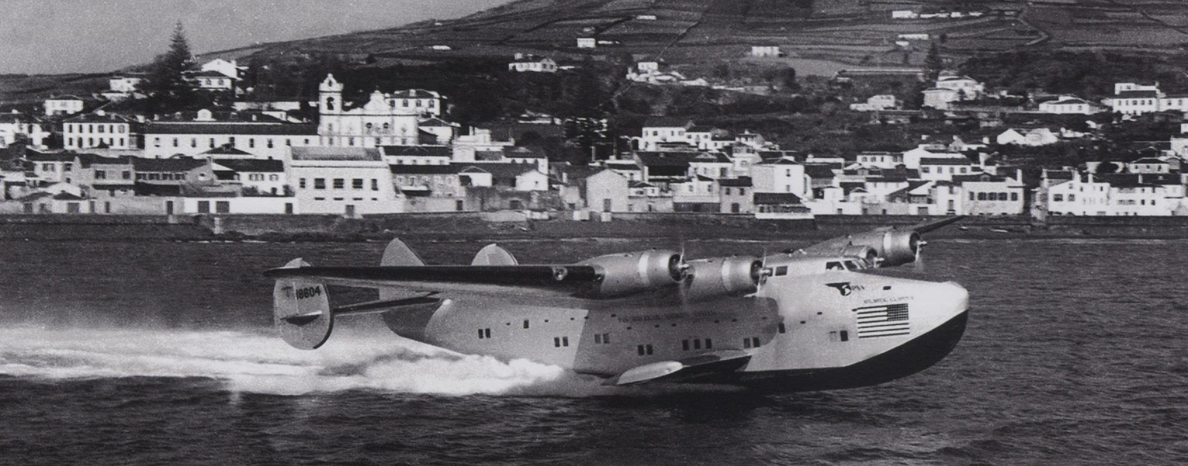 seaplane landing in Horta