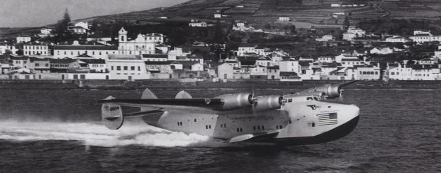 seaplane landing in Horta