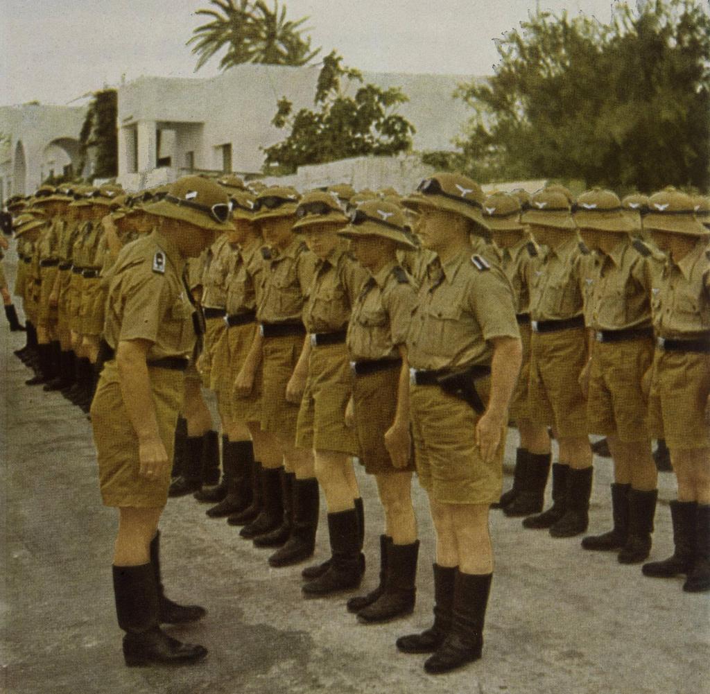 Nordafrika-Bekleidungsappell-Afrikakorps-North-Africa-Uniform-Inspection