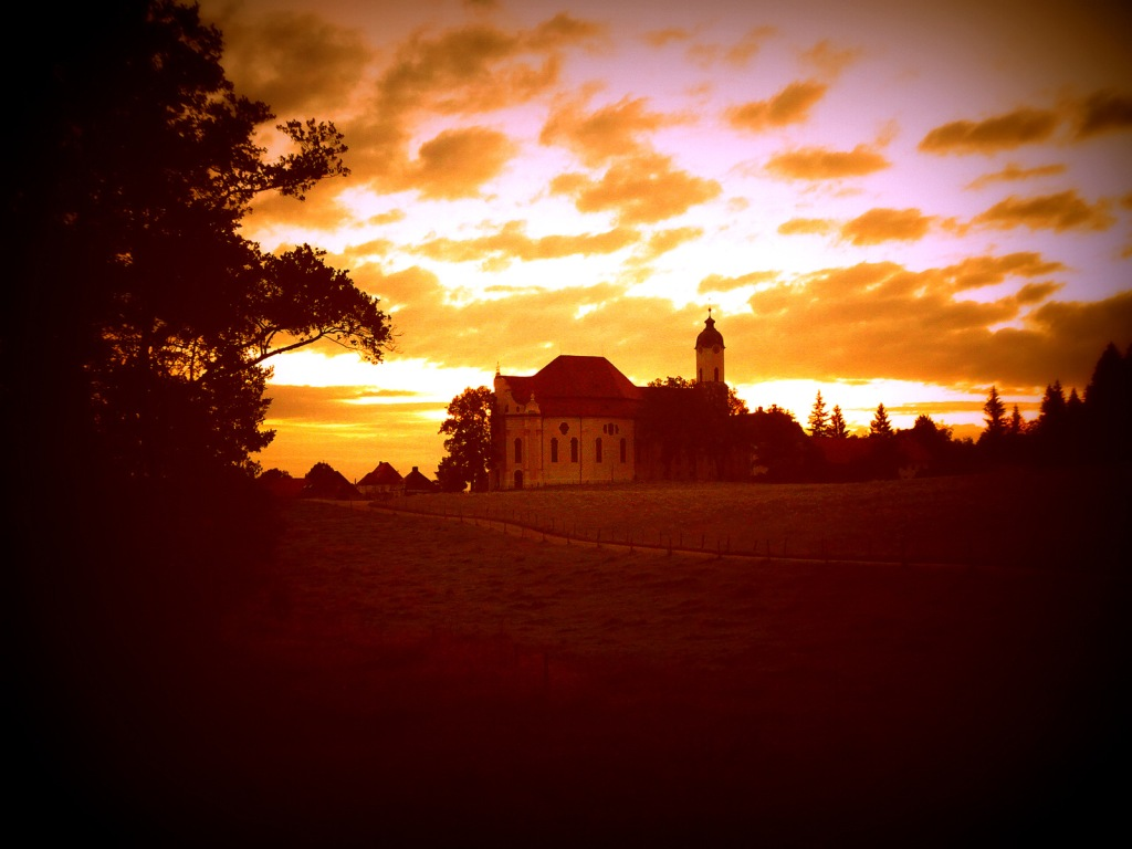 This image has an empty alt attribute; its file name is wieskirche-sonnenaufgang.jpg