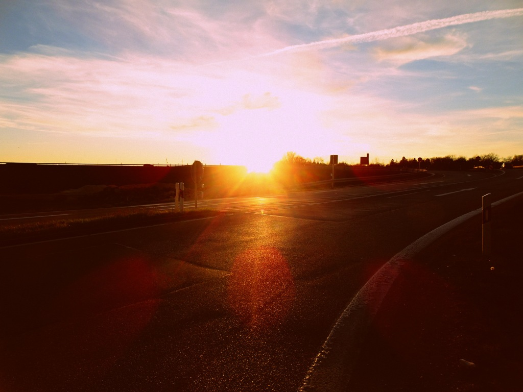 This image has an empty alt attribute; its file name is sonnenuntergang-a7.jpg